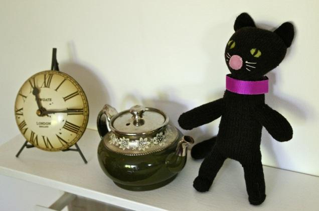 glove cat