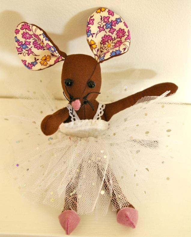 Freja ballerina mouse