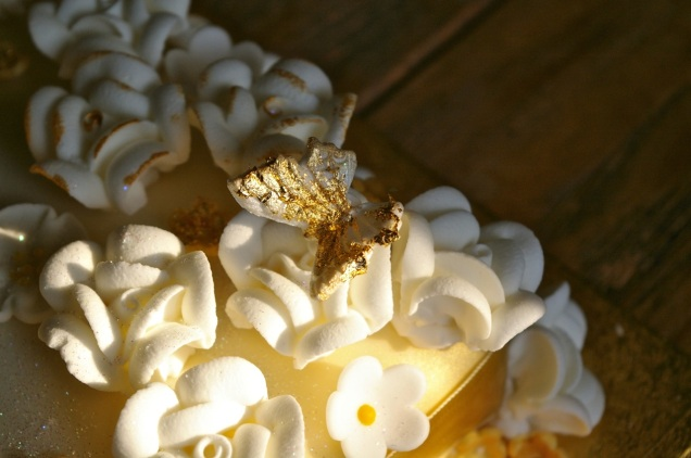 edible gold leaf on icing butterfly