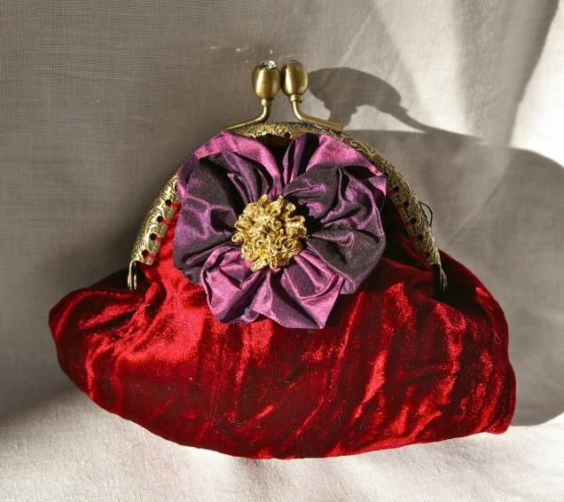 framed coin purse in crushed velvet