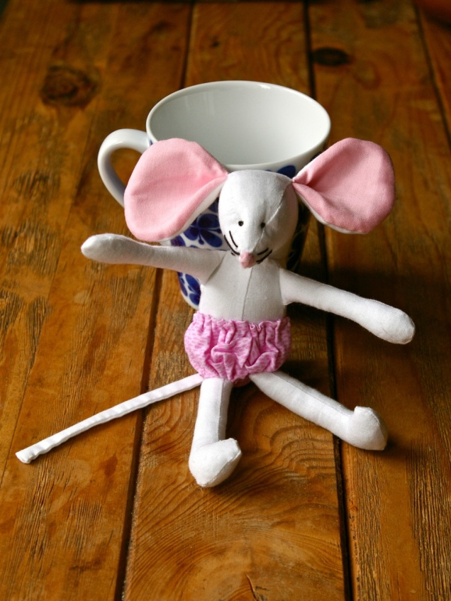 Ellen Mouse shows off her pink frilly knickers (they are sewn on as they are small and I don't want them to be a choking risk for young children)