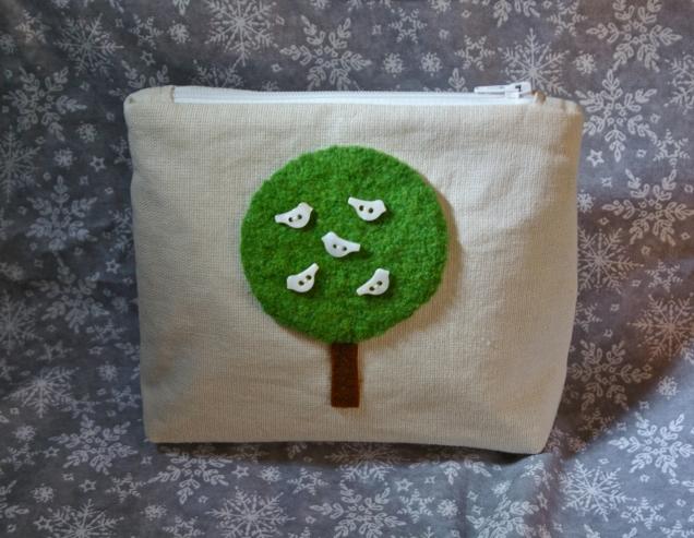 green tree, white birds